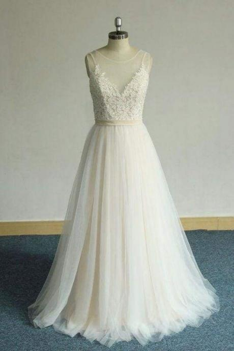Bridelily Affordable Appliques Tulle A-line Wedding Dress