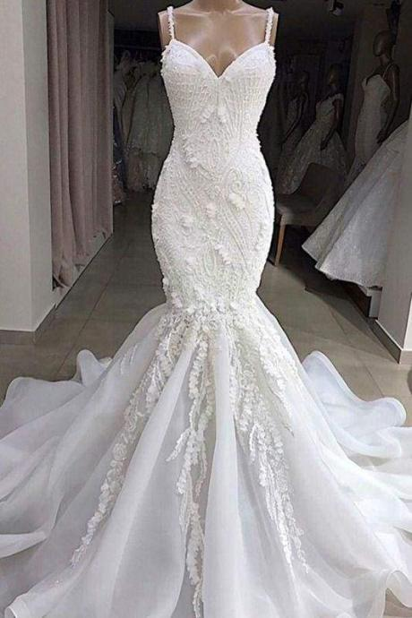 Bridelily Spaghetti Strap Appliques Mermaid Wedding Dress