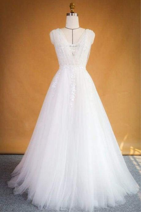 Bridelily Ruffle Applqiues Tulle A-line Wedding Dress