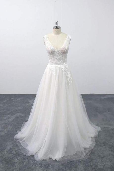 Lace-up V-neck Appliques Tulle A-line Wedding Dress