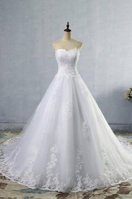Chic Strapless Appliques A-line Tulle Wedding Dress