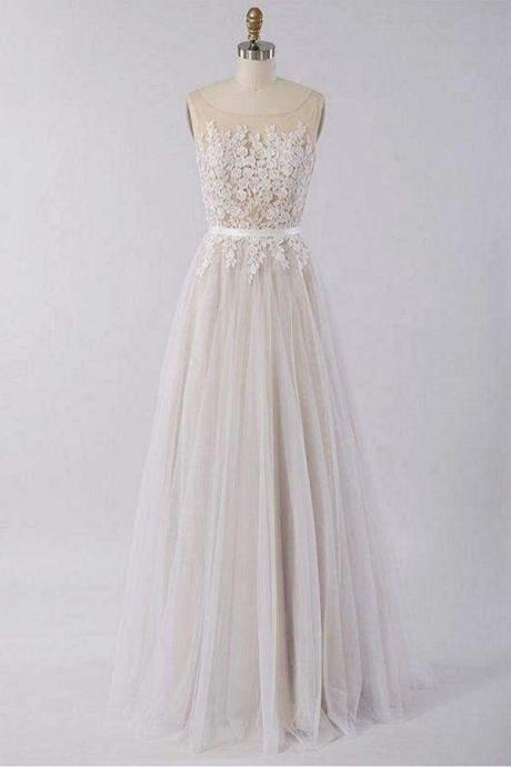 Floor Length Appliques A-line Tulle Wedding Dress