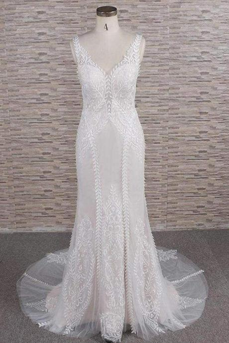 Latest V-neck Appliques Tulle Mermaid Wedding Dress